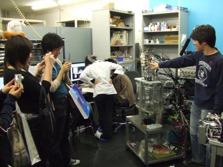 2006-05-26: JSME ROBOMEC2006: Takanishi Lab Tour (3)